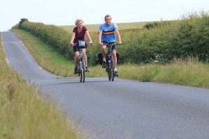 Cyclists in the Wolds (c) Tom Marshall